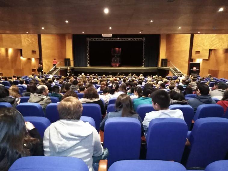 Corporación_Cultural_de_la_CChC_organizó_tradicional_jornada_teatral_para_trabajadores_de_Ñuble.jpeg