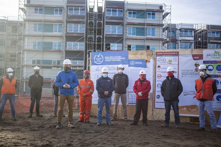 Firma_Protocolo_Sanitario_Punta_Arenas_19_05_2020_(38)_posada.jpg