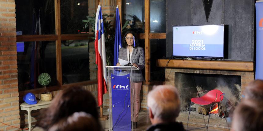 Marcela Melo Reyes asume como la primera presidenta de CChC Los Ángeles noticias