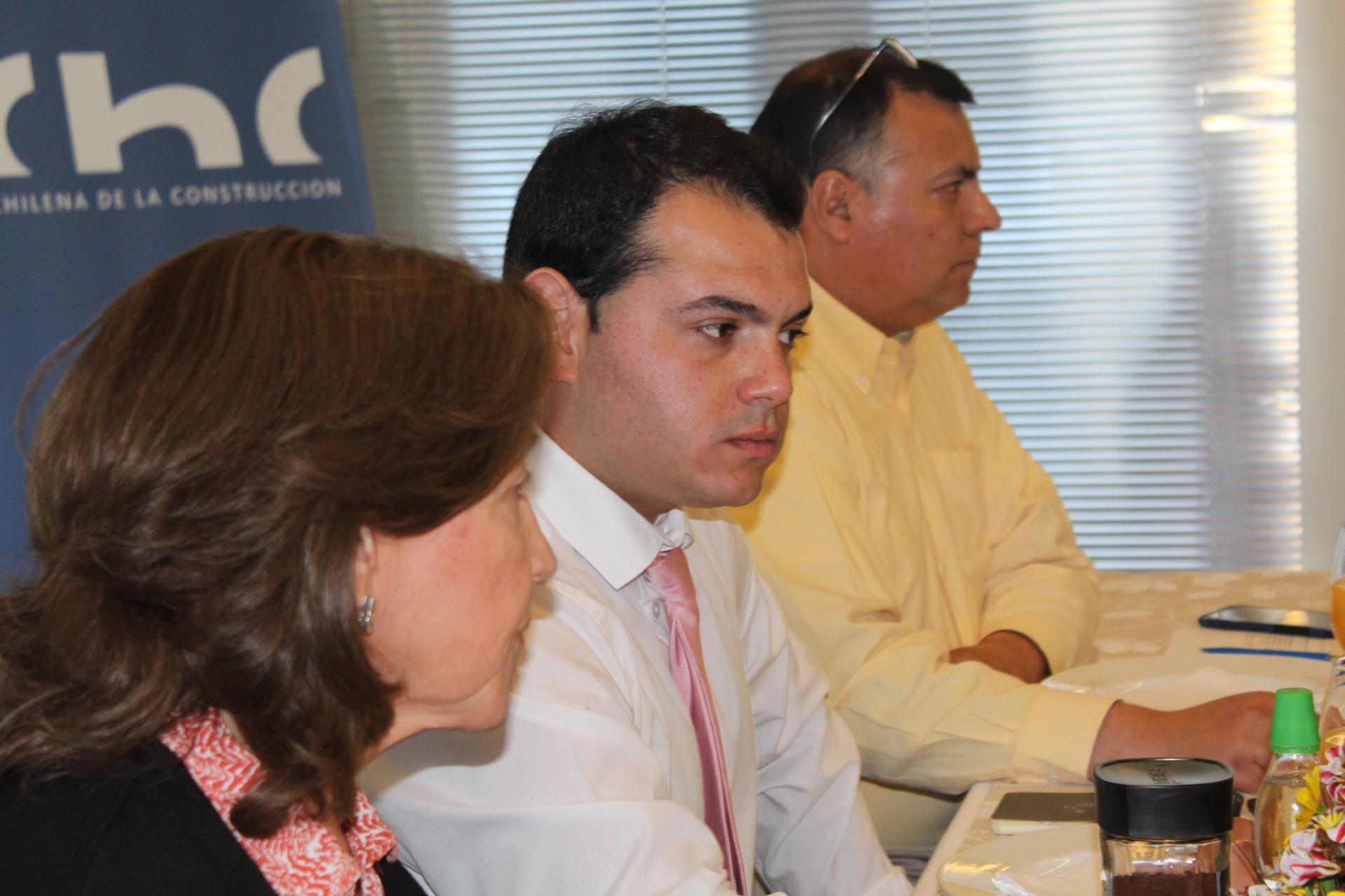 Seremi de Economía se reunió con socios de la CChC Chillán noticias
