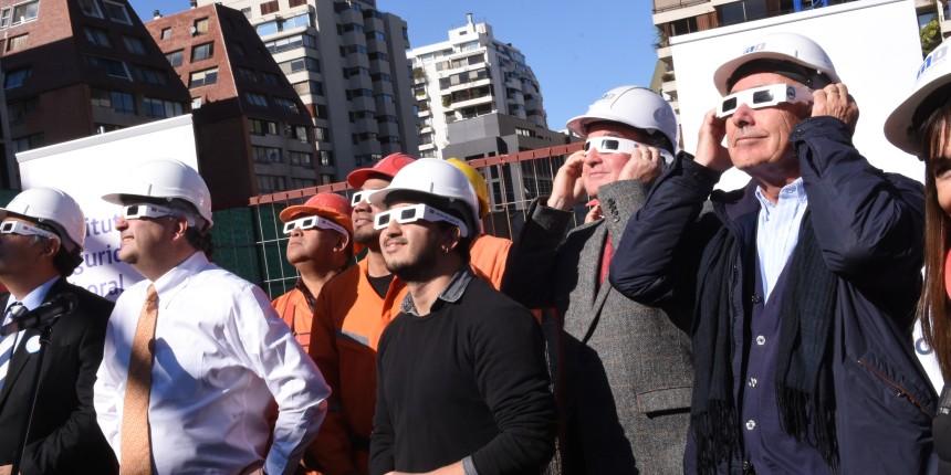 Trabajadores de la Construcción participaron en charla sobre el eclipse solar noticias