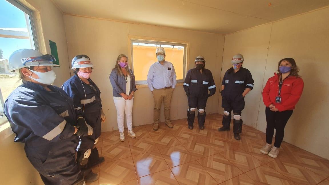 CChC Chillán conmemora Día de la mujer lanzando proyecto que potencia inserción femenina en la construcción  noticias