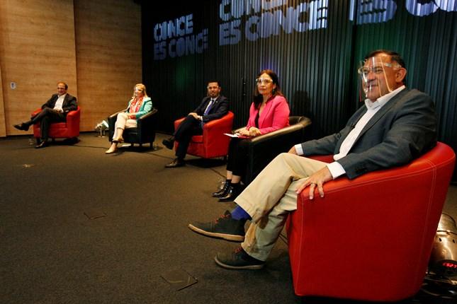 Candidatos a Gobernador Regional del Biobío definieron posturas sobre vivienda, transportes y espacios públicos noticias