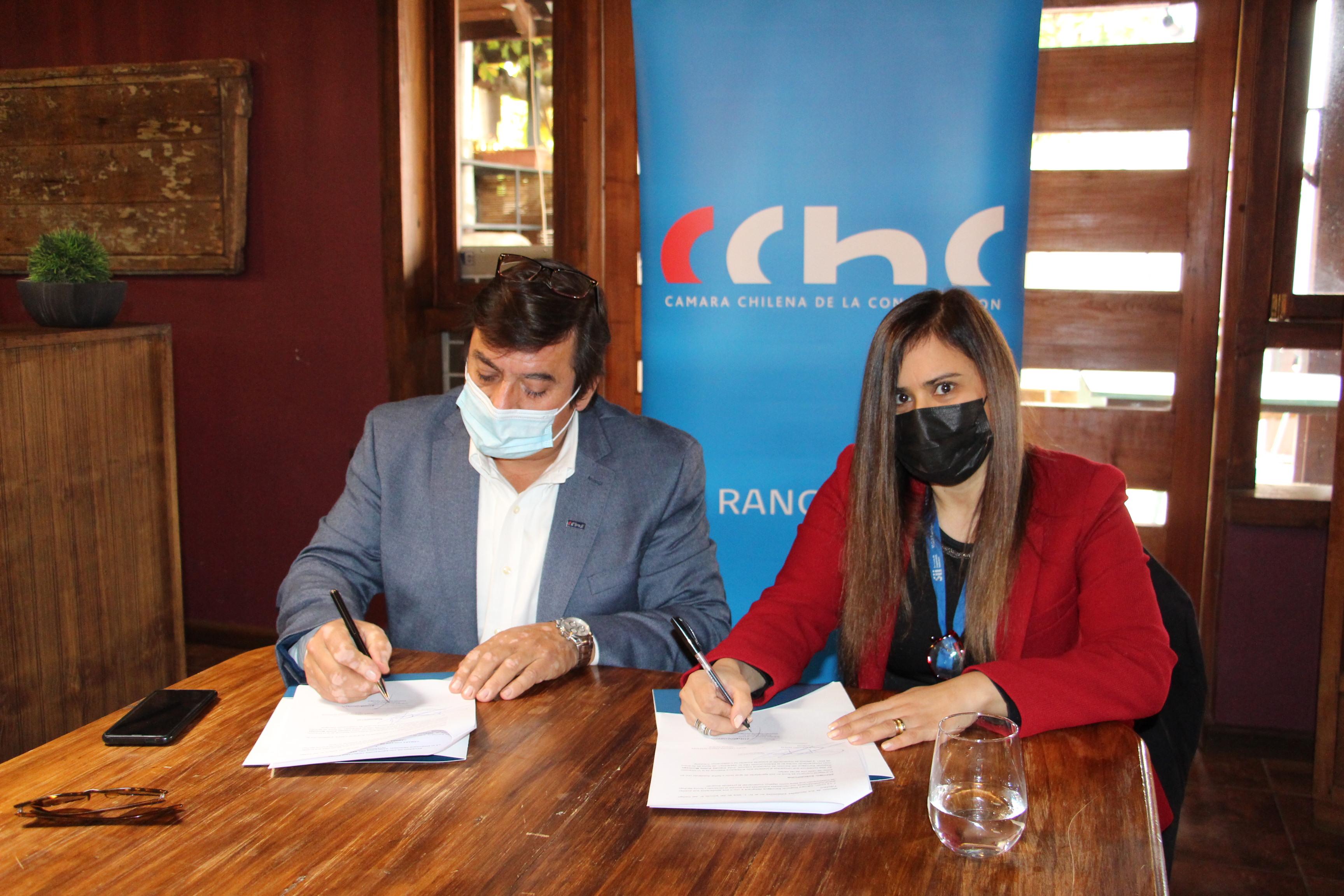 CChC Rancagua firma convenio de colaboración con SII noticias