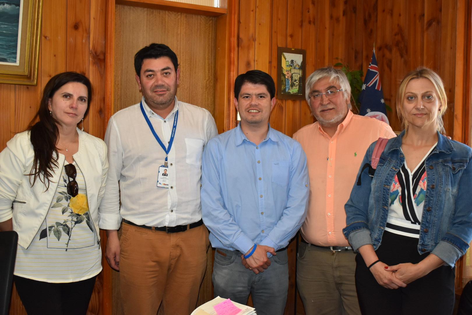 Socios CChC Valdivia visitaron proyecto de Playa Artificial en Villarrica noticias