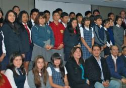 """54 alumnos de la región reciben beca escolar """"Empresarios de la Construcción 2012"""" noticias"""