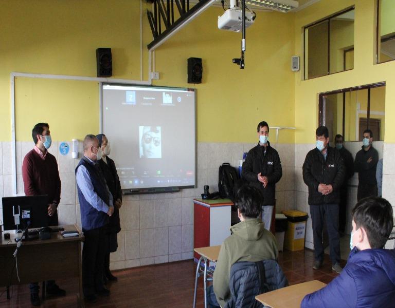 Donaci%C3%B3n_CChC_Punta_Arenas_a_Escuela_La_Milagrosa_%285%29_cel.JPG_.jpg
