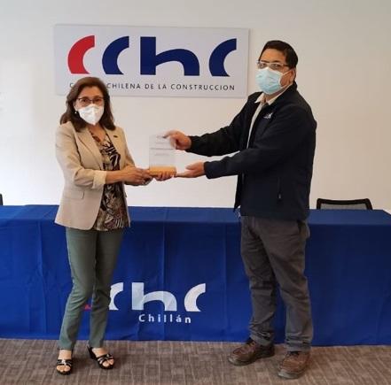 CChC Chillán entregó reconocimiento a María Eugenia Rojas Elorrieta por liderazgo femenino y labor como arquitecto en Ñuble noticias