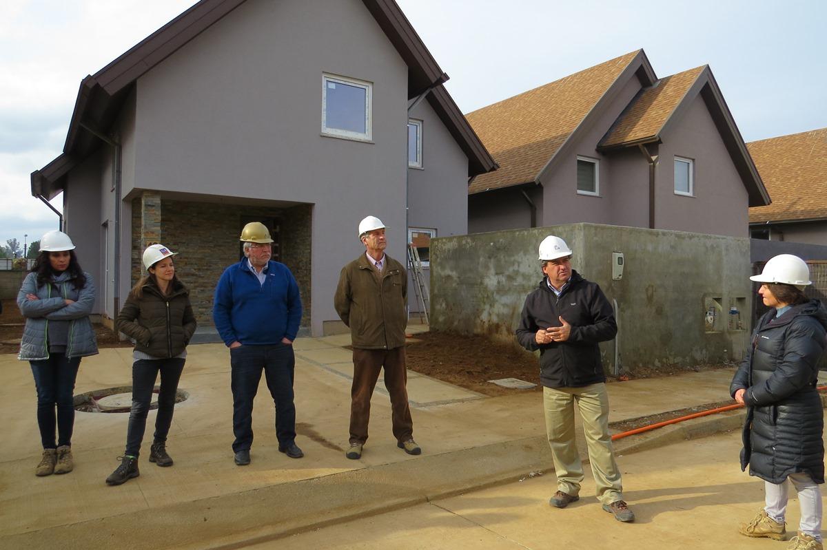 Socios de Valdivia conocen proyecto habitacional con altos estándares energéticos noticias