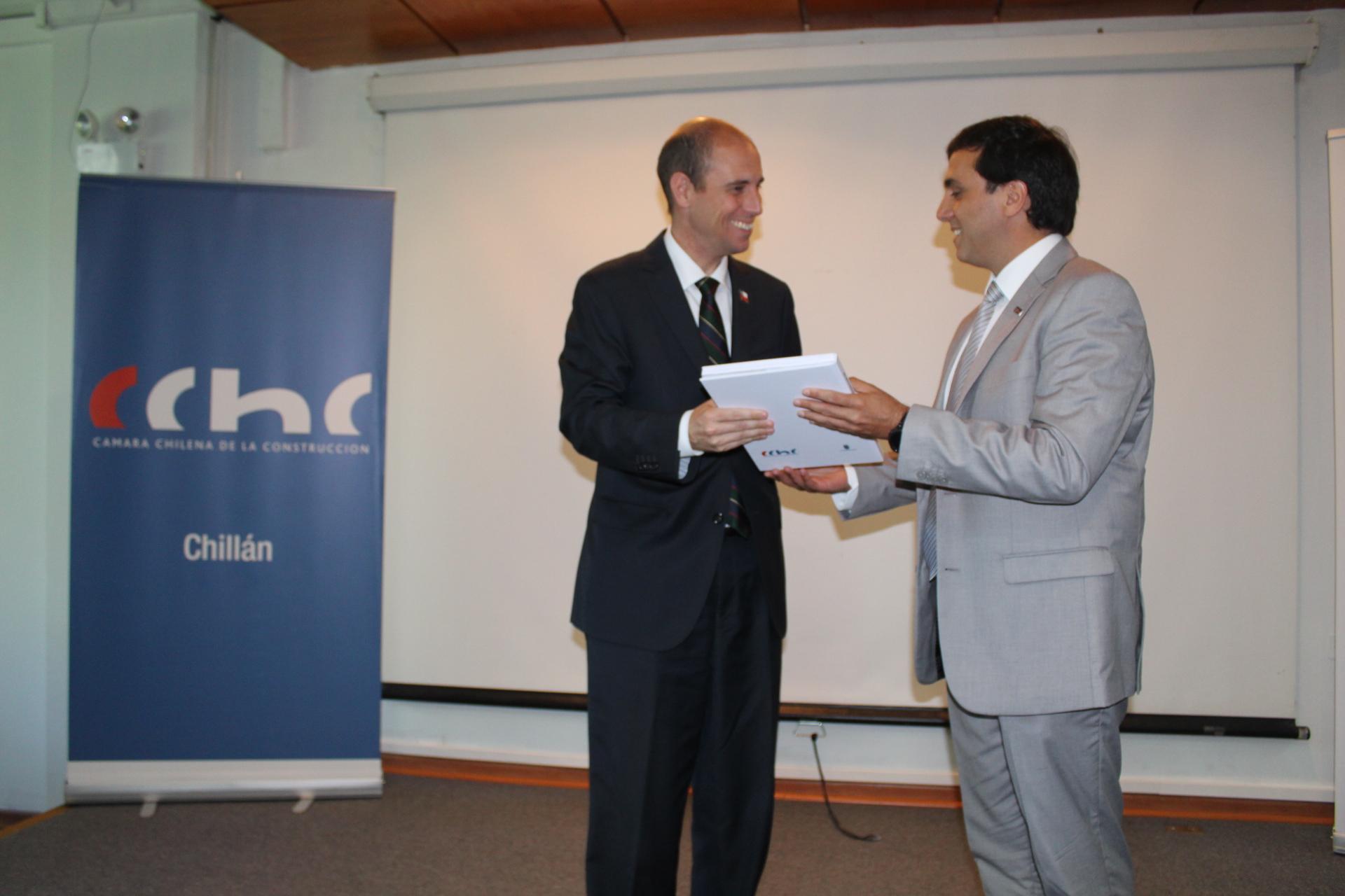 CChC Chillán entregó a Intendente de Ñuble Estudio Urbano para localización de Barrio Cívico noticias