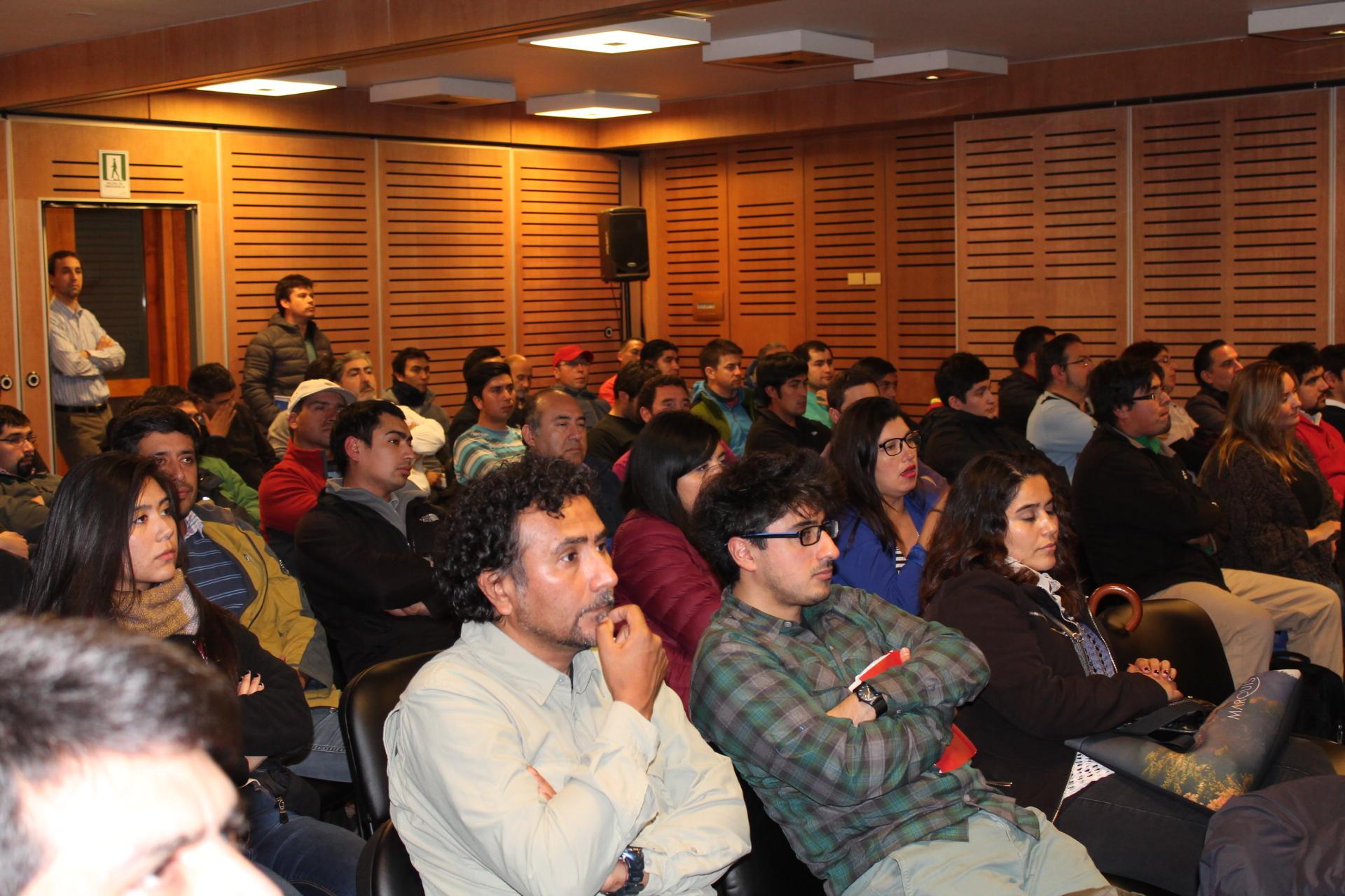 Con gran participación de público CChC Puerto Montt inicia taller de materiales 2016 noticias