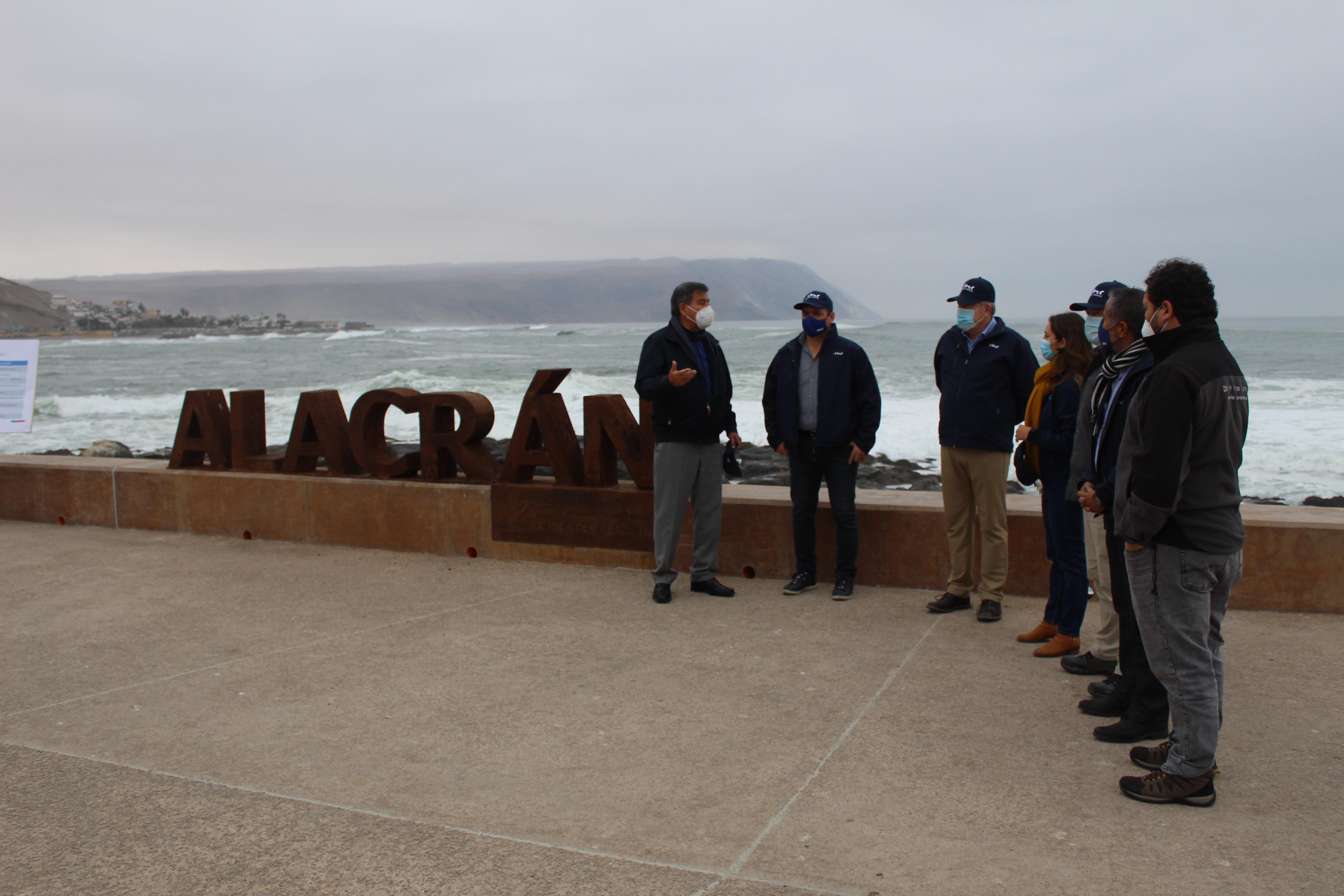 Con seremi del MOP y directora de Corporación Costa Chinchorro visitaron ex isla El Alacrán noticias