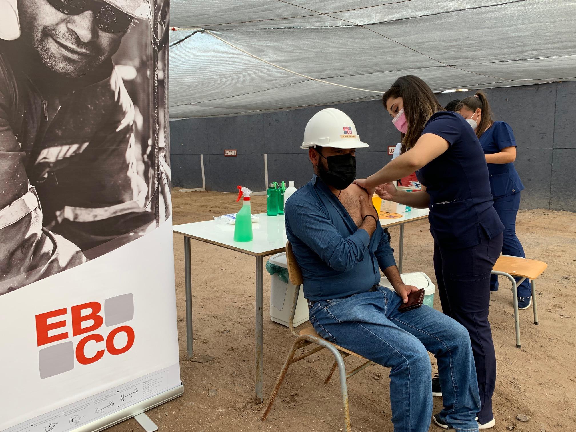 150 trabajadores de constructora Ebco fueron vacunados en primer operativo en obra noticias