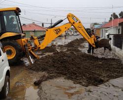 Empresas constructoras remueven escombros en Punta Arenas noticias