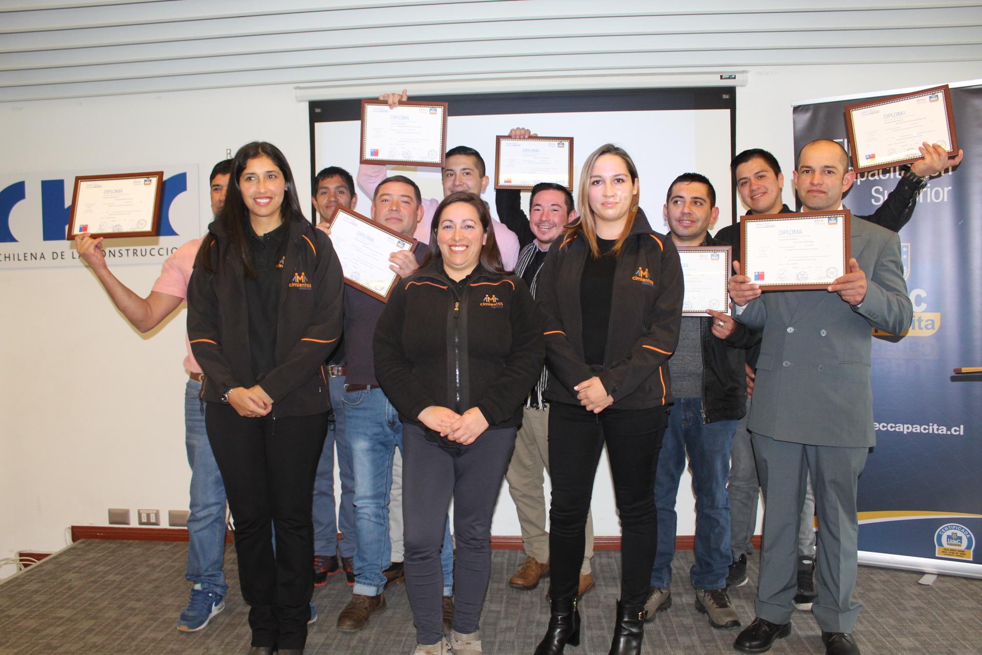 """Participantes de Programa Cimientos de la CChC fueron certificados en """"Carpintería en obra gruesa"""" noticias"""