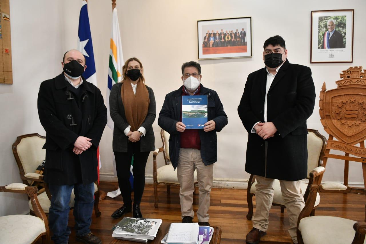 Presidenta ChC Valdivia plantea la necesidad empujar proyectos emblemáticos de infraestructura a Gobernador Regional noticias