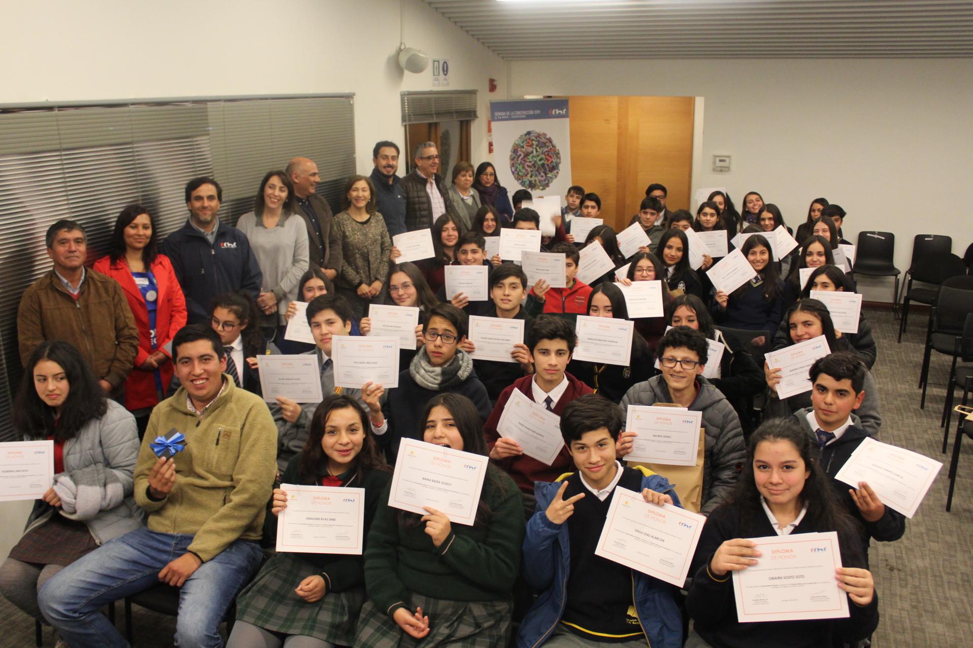 Estudiantes de Ñuble recibieron Becas empresarios de la Construcción 2019 noticias