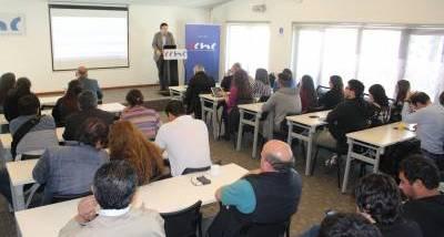 """Llaman a municipios de Ñuble a prepararse para usar recursos de """"Ley de aporte al espacio público"""