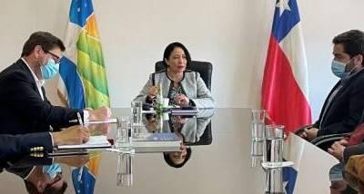 gobernadora_y_cchc_la_serena_1.JPG