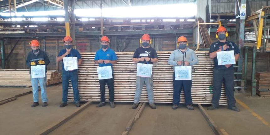 Trabajadores de empresas socias recibieron el libro de relatos andinos Sobre las alas del cóndor noticias