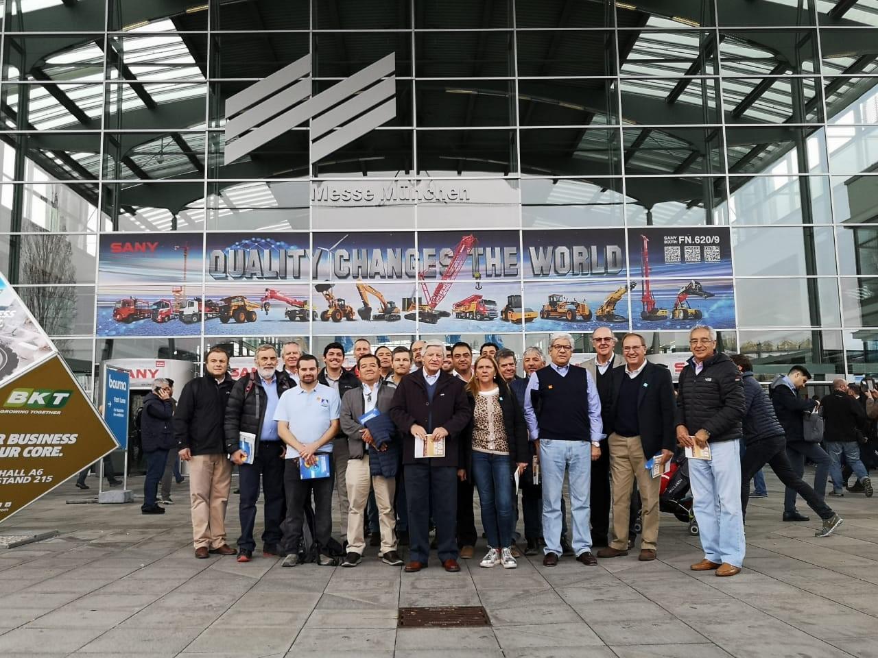 Socios de la CChC visitan la feria más grande del mundo en maquinaria y equipos de construcción noticias