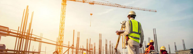 personas trabajando en construcción